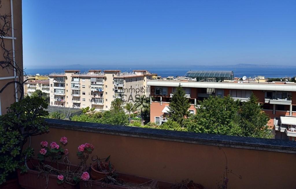 Piano di Sorrento - Attico e superattico esclusivo con ampi terrazzi ...