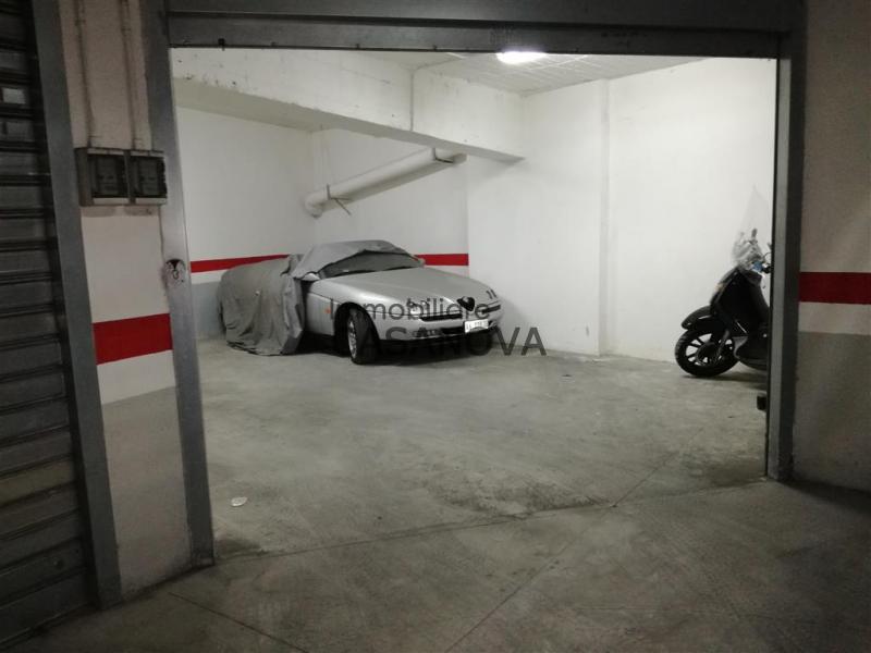 Piano di sorrento via bagnulo garage di oltre 40 mq for Oltre i piani di garage